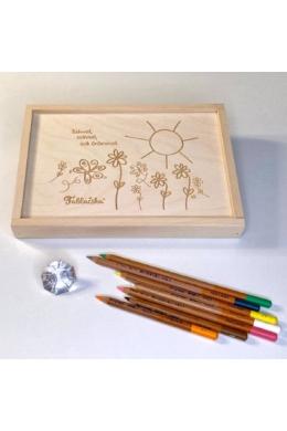Gravírozott fa díszdoboz virágos-napos grafikával Midi Táblácskához